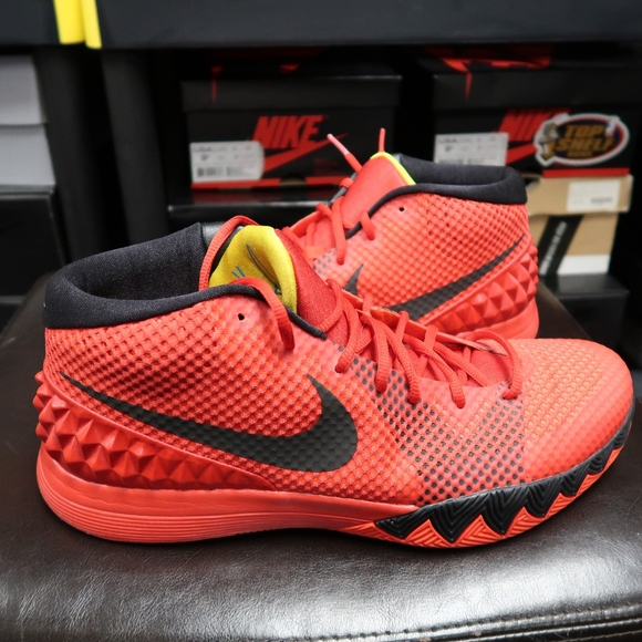 low priced f2e9c 1eac1 Nike Kyrie Irving 1 Deceptive Red size 12